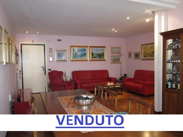 Montesilvano zona oasi appartamento 5 locali con garage e for Garage prefabbricato con costo dell appartamento