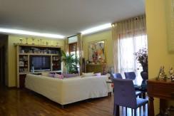 Pescara Colli Duplex 5 locali e garage fronte Di Marzio