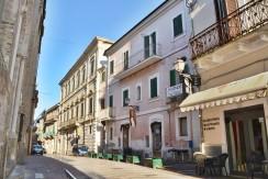 Città Sant'Angelo Centro Storico 6 locali sul Corso