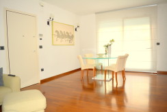 Appartamento Residence Flores 5 locali giardino privato