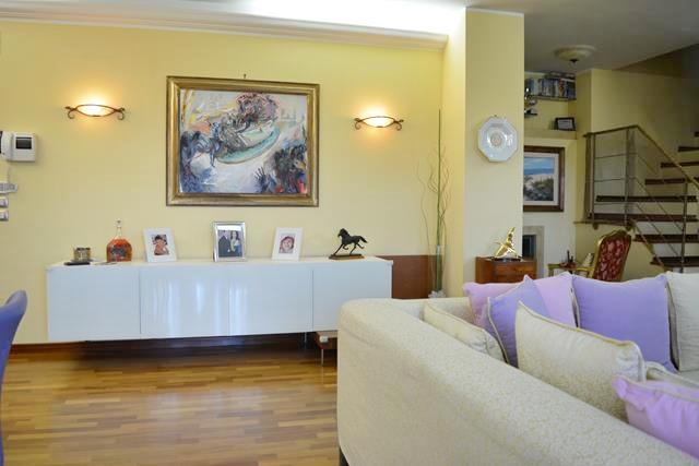 Pescara duplex 5 locali e garage fronte di marziorealizza casa for Casa 5 locali