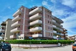Pescara Duplex 5 locali e garage fronte Di Marzio