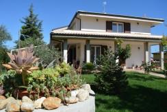 Villa singola Collecorvino Strada dei Fiori