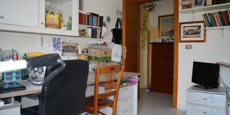 realizza-casa-collecorvino-appartamento-con-giardino-garage-cantina-18