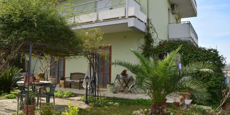 realizza-casa-collecorvino-appartamento-con-giardino-garage-cantina-29