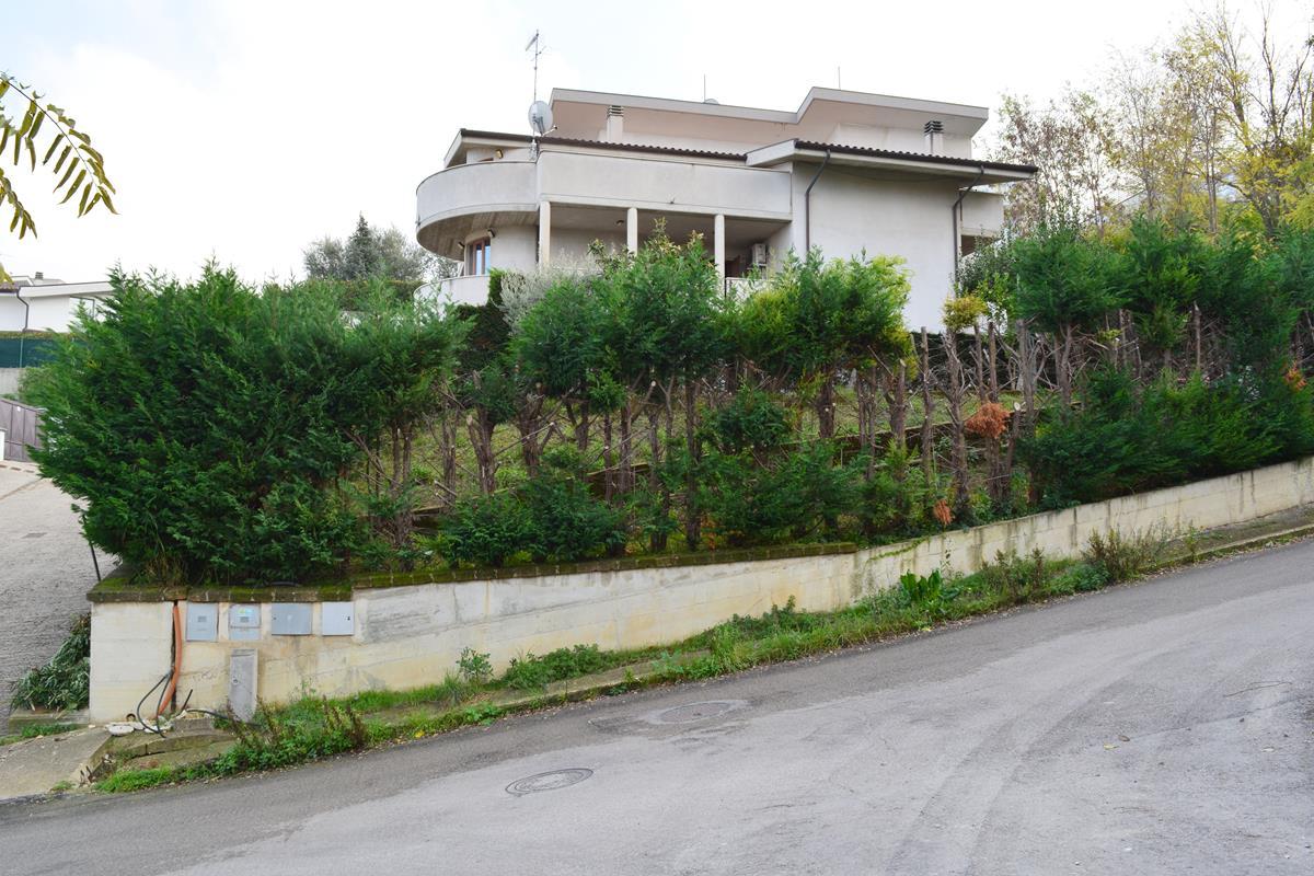 Villa Bifamiliare Montesilvano Via Tommaseo