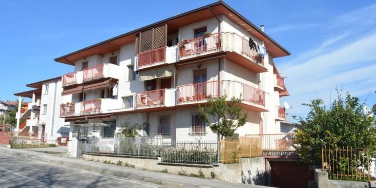 realizza-casa-loreto-aprutino-appartamento-5-locali-con-giardino-e-garage-001