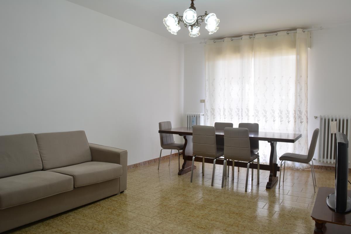 Loreto Aprutino Appartamento 5 locali con giardino e garage