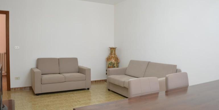 realizza-casa-loreto-aprutino-appartamento-5-locali-con-giardino-e-garage-004