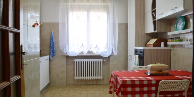 realizza-casa-loreto-aprutino-appartamento-5-locali-con-giardino-e-garage-007