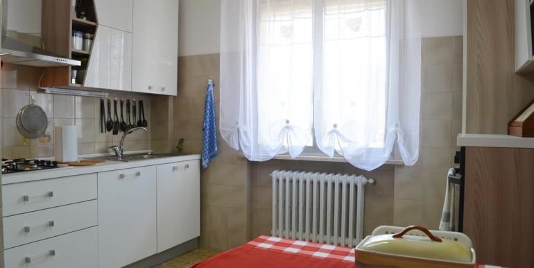 realizza-casa-loreto-aprutino-appartamento-5-locali-con-giardino-e-garage-008