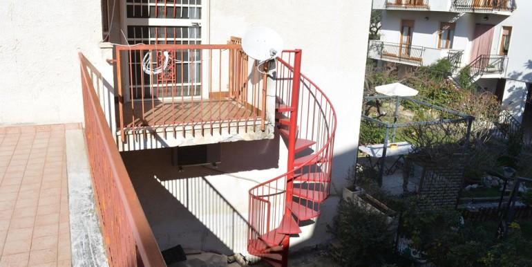 realizza-casa-loreto-aprutino-appartamento-5-locali-con-giardino-e-garage-021