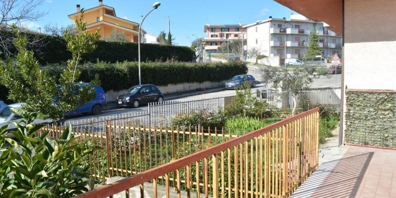 realizza-casa-loreto-aprutino-appartamento-5-locali-con-giardino-e-garage-027