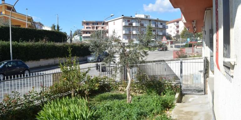 realizza-casa-loreto-aprutino-appartamento-5-locali-con-giardino-e-garage-029