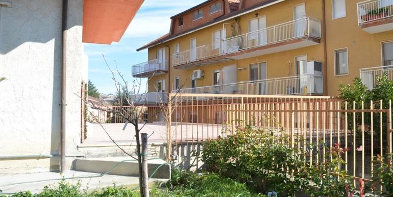 realizza-casa-loreto-aprutino-appartamento-5-locali-con-giardino-e-garage-031