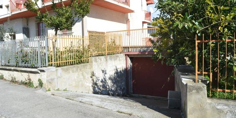 realizza-casa-loreto-aprutino-appartamento-5-locali-con-giardino-e-garage-032