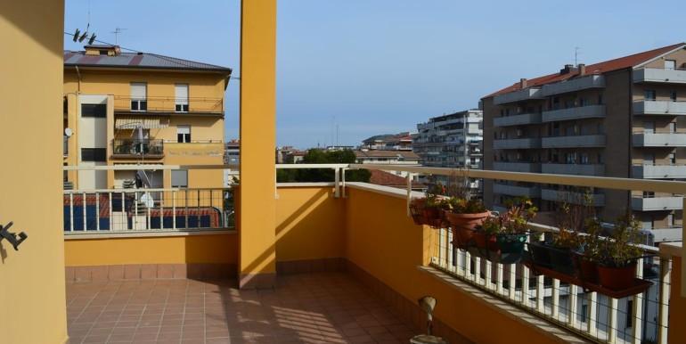 realizza-casa-pescara-portanuova-via-dei-peligni-attico-panoramico-034