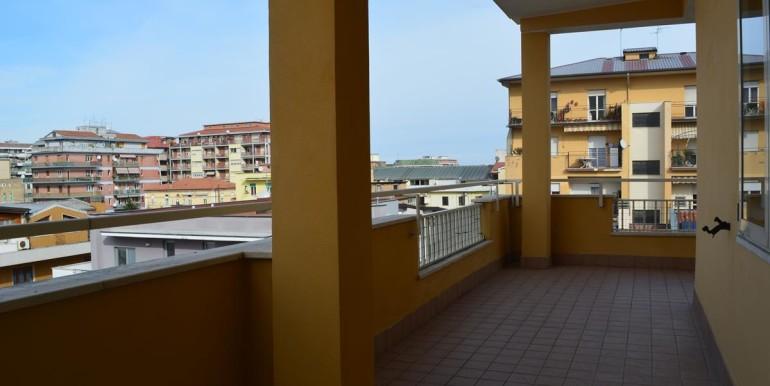 realizza-casa-pescara-portanuova-via-dei-peligni-attico-panoramico-037
