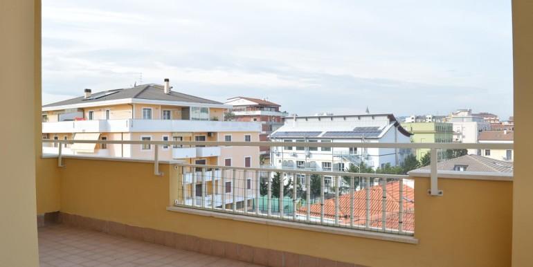 realizza-casa-pescara-portanuova-via-dei-peligni-attico-panoramico-038