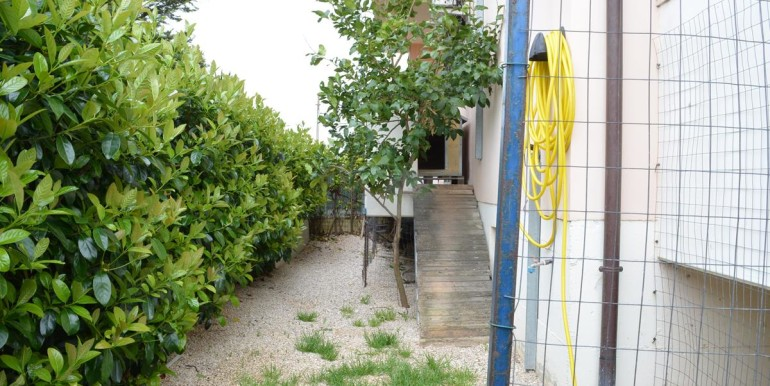 realizza-casa-roseto-appartamento-3-camere-garage-e-giardino-015