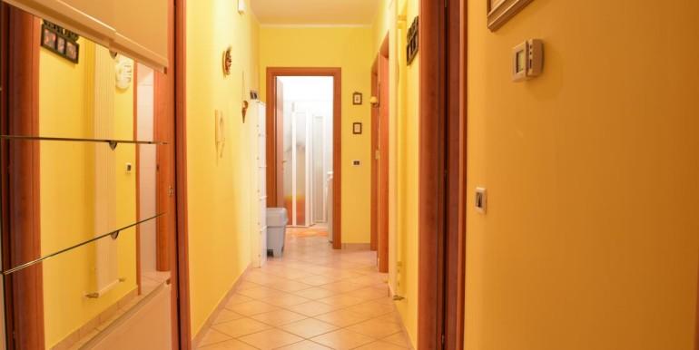 realizza-casa-roseto-appartamento-3-camere-garage-e-giardino-020