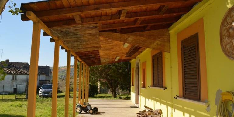 realizza-casa-alanno-bifamiliare-con-giardino-002
