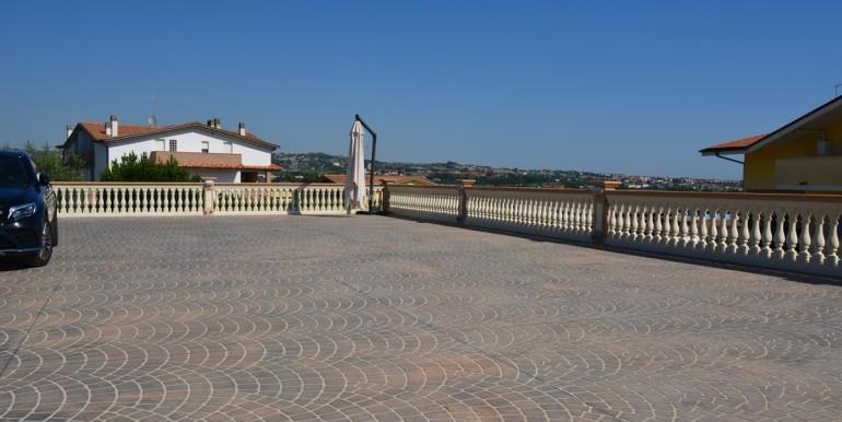 realizza-casa-montesilvano-villa-signorile-008