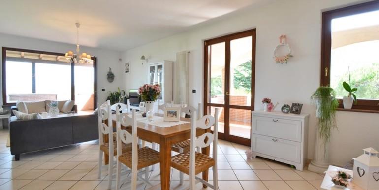 realizza-casa-montesilvano-villa-bifamiliare-con-piscina-004