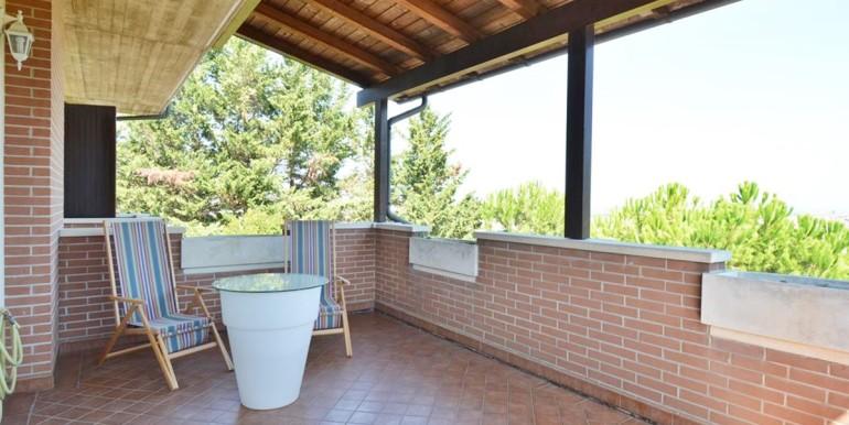 realizza-casa-montesilvano-villa-bifamiliare-con-piscina-010