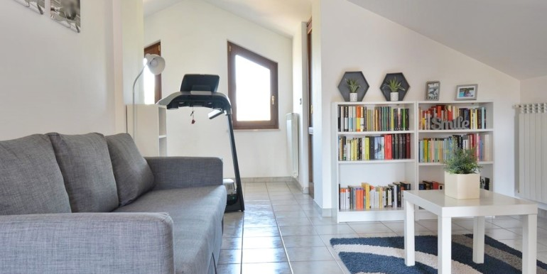 realizza-casa-montesilvano-villa-bifamiliare-con-piscina-023