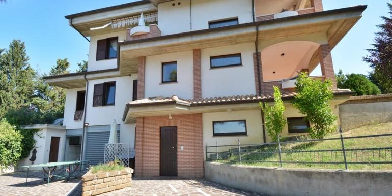 realizza-casa-montesilvano-villa-bifamiliare-con-piscina-056