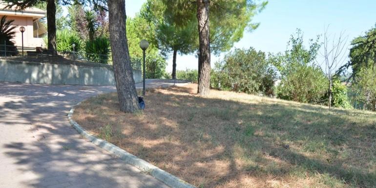 realizza-casa-montesilvano-villa-bifamiliare-con-piscina-060