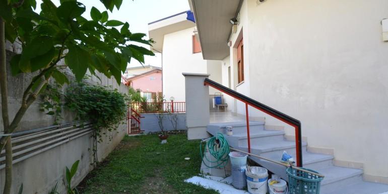 realizza-casa-pescara-colli-trilocale-con-giardino-015
