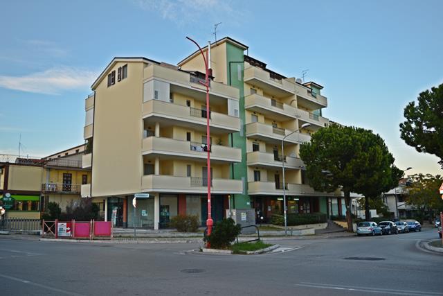 VENDUTO Appartamento 3 locali ampi terrazzi e garage Santa Filomena Montesilvano