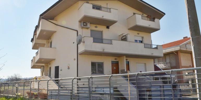 realizza-casa-montesilvano-quadrifamiliare-con-giardino01