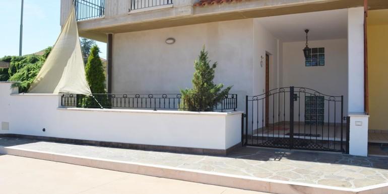 realizza-casa-montesilvano-villa-trifamiliare-di-testa01