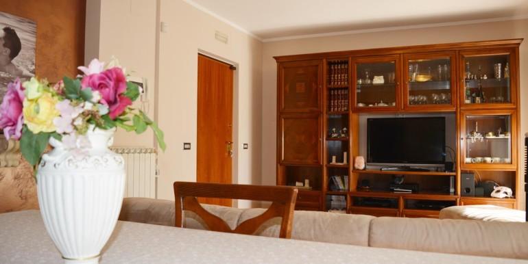 realizza-casa-montesilvano-villa-trifamiliare-di-testa04