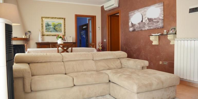 realizza-casa-montesilvano-villa-trifamiliare-di-testa07