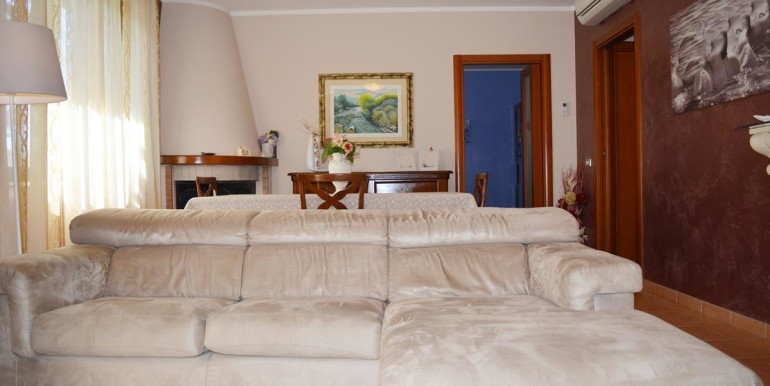 realizza-casa-montesilvano-villa-trifamiliare-di-testa08