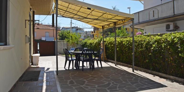 realizza-casa-montesilvano-villa-trifamiliare-di-testa22