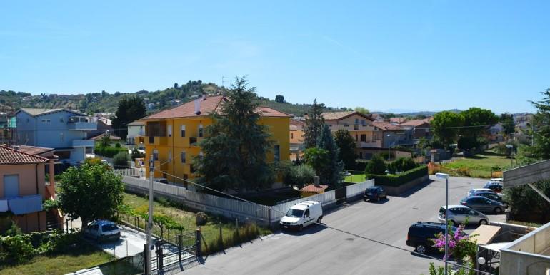 realizza-casa-montesilvano-villa-trifamiliare-di-testa39
