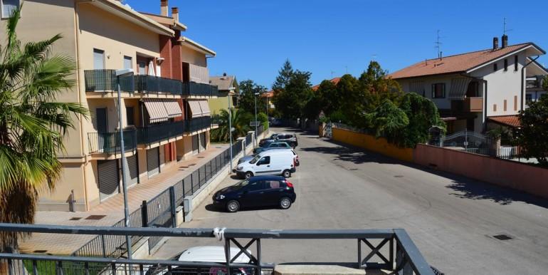 realizza-casa-montesilvano-villa-trifamiliare-di-testa41