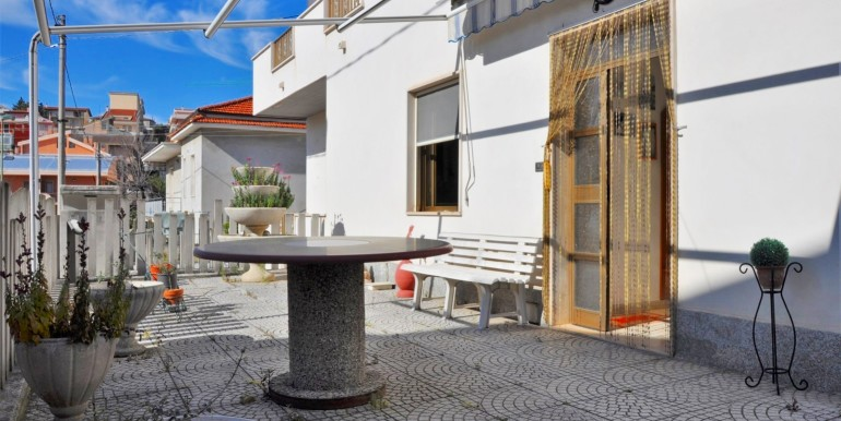 realizza-casa-pescara-colli-villa-bifamiliare-002