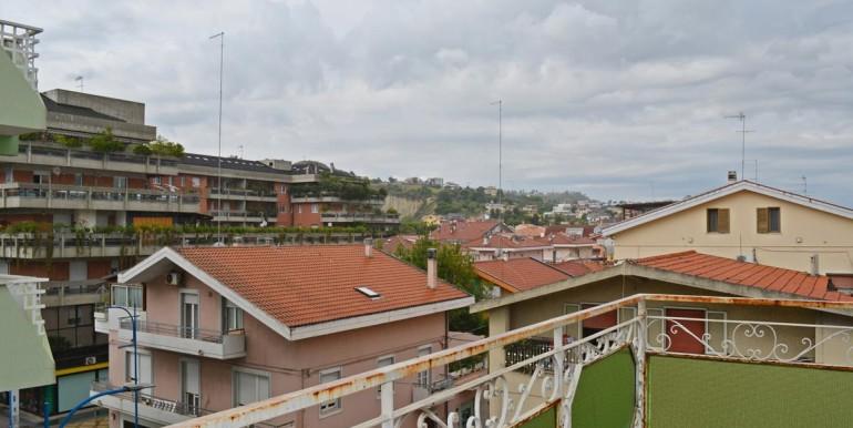 realizza-casa-montesilvano-centro-appartamento-attico-7-locali42