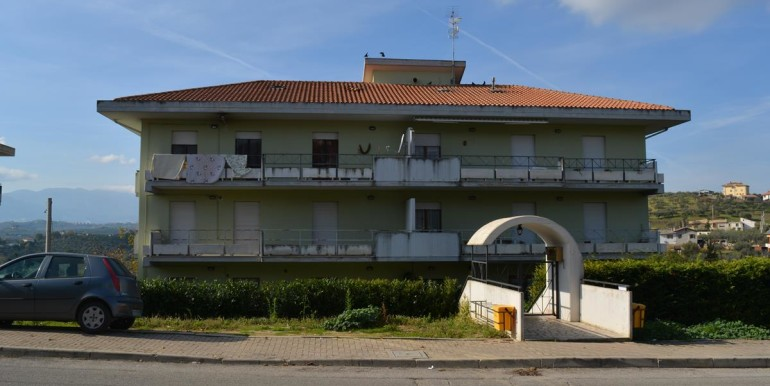 realizza-casa-collecorvino-appartamento-con-giardino-garage-cantina-01