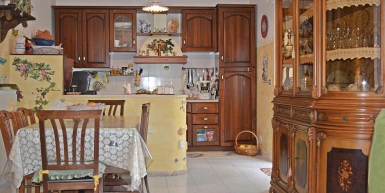 realizza-casa-collecorvino-appartamento-con-giardino-garage-cantina-08