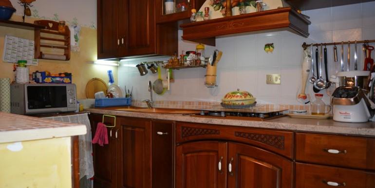 realizza-casa-collecorvino-appartamento-con-giardino-garage-cantina-09
