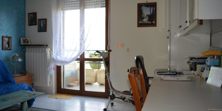realizza-casa-collecorvino-appartamento-con-giardino-garage-cantina-16