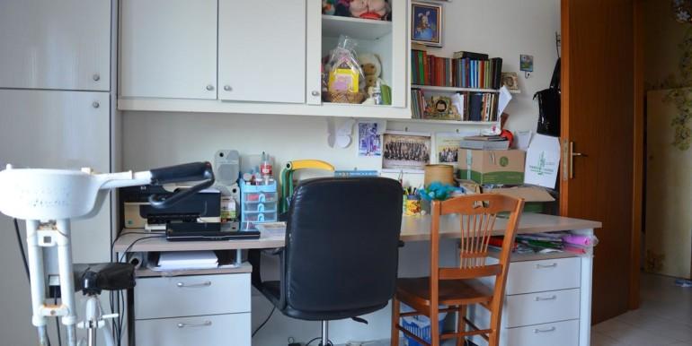 realizza-casa-collecorvino-appartamento-con-giardino-garage-cantina-17