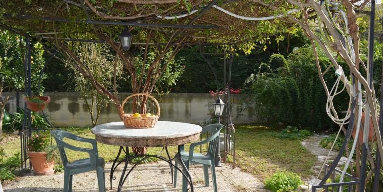 realizza-casa-collecorvino-appartamento-con-giardino-garage-cantina-24